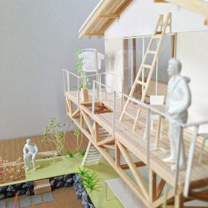津島の四層二階建て住宅 模型写真 バルコニー