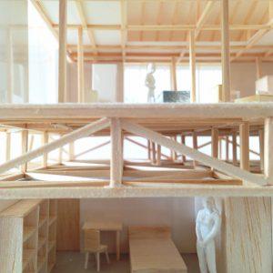 津島の四層二階建て住宅 模型写真 採光通風のための第2層