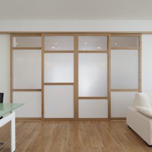 半透明の中庭/homeKZ リビングと子供室の関係(建具を閉めた状態)