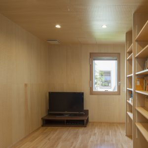 半透明の中庭/homeKZ 防音室