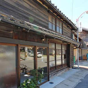 亀崎の蕎麦屋 改修後の外観(昼景)
