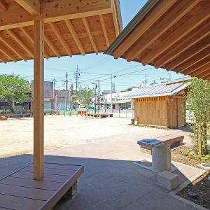 亀崎公園の再編 屋根と屋根が重なり合う
