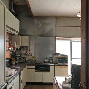 天井裏の明るさ/homeSK 改修前のキッチン