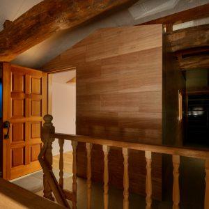 天井裏の明るさ/homeSK 小屋の夕景